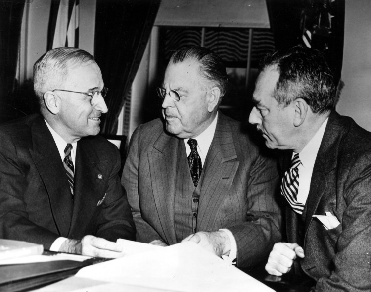 president-harry-s-truman-meets-with-dean-acheson-and-warren-austin-713267-1600