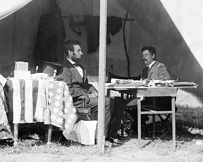 Lincoln_and_McClellan_1862-10-03